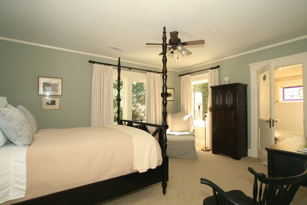 Room at the Arroyo Vista Inn