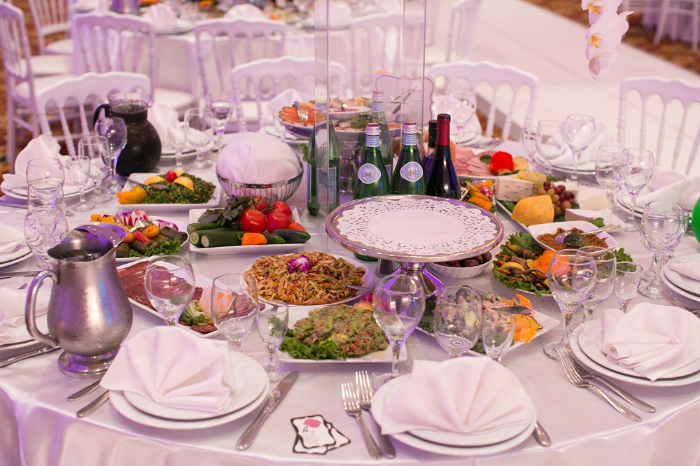 5 Tips On Choosing The Right Catering Company For Your Event