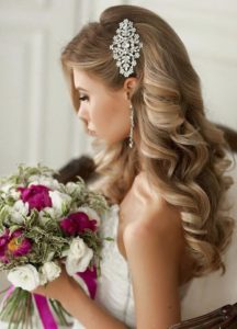 wedding hair with clip