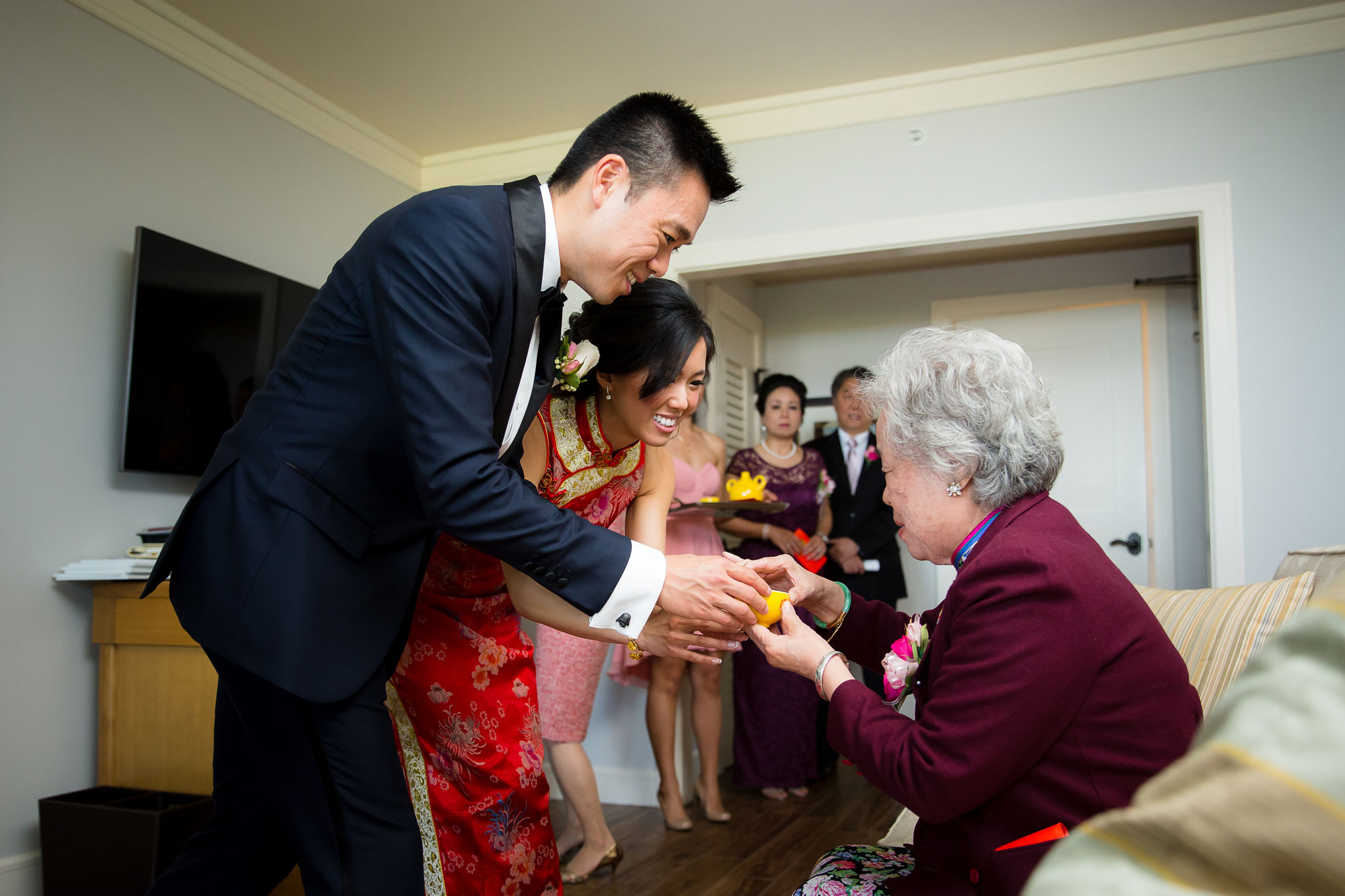 tea ceremony - chinese wedding traditions