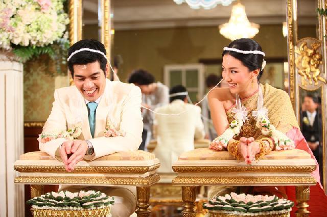 traditional thai wedding ceremony