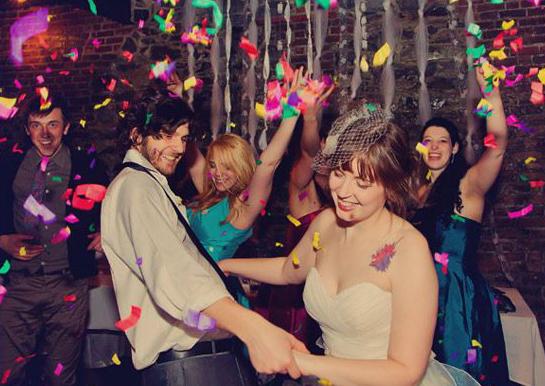 Unique Wedding Reception Ideas - Confetti During Bride and Groom Dance