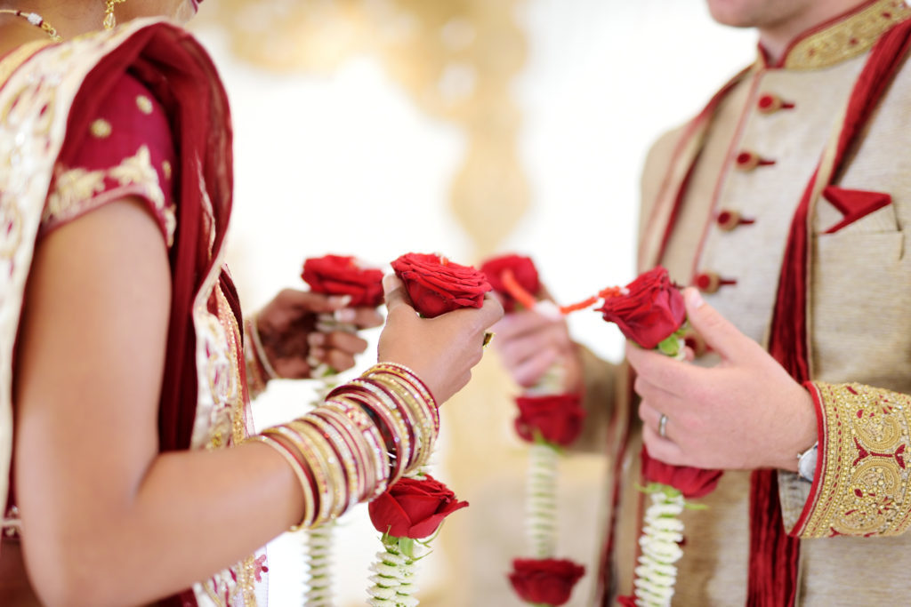 Wedding Photographer - Hindu Wedding - Couple With Roses