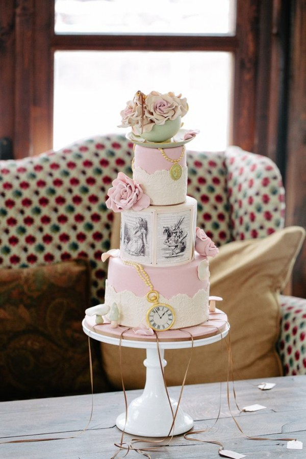 Wedding Themes - Alice in Wonderland Cake