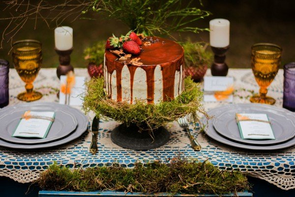 Wedding Themes - Gothic Cake And Tableware